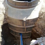 Монтаж кессона для скважины из полимер-песчаных колец, Уфа